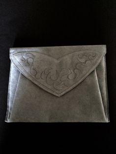 Out of Umbria: En avant-première : pochette pour iPad en Alcantar. Ipad, Creations, Inspiration, Pouch Bag, Biblical Inspiration, Inspirational, Inhalation