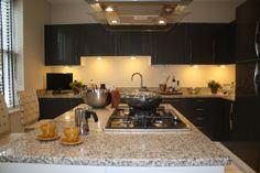 Dank unserer Granit Bianco Sardo Granit Arbeitsplatten wird Ihre Küche zum Wohlfühlort.  www.arbeitsplatten-deutschland.com/Bianco_Sardo-geraeumige-arbeitsplatten-Bianco_Sardo