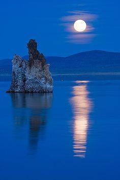 Mono Lake Moonrise, California, USA