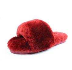 Fuzzy slipper. Super cozy and warm, ideal loungewear piece.
