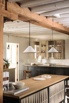 We're so excited to be exhibiting at Clerkenwell Design Week 2017! We can't wait to bring our beautiful Sebastian Cox Kitchen back for a third year running as part of the British Collection, showcase our range of deVOL artisan products and open up our brand new St. John's Square showroom as an official CDW showroom partner.