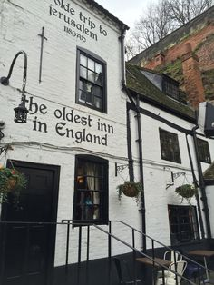 Oldest pub in England (partly in caves)