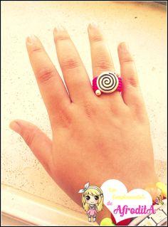 Anillo de cuero rosa fluor con zamak espiral