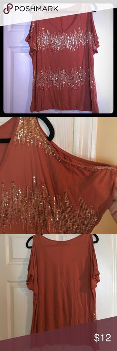 Dressy top Adorable burnt orange sequin top! I put a picture of the sleeves and it has the open sleeve look which is so in right now and so sexy! This color would look so good with army green jeans or white for summer!! Gently used dressy top no snags or anything. Apt 9 Tops