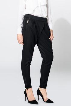 Fabriq.nl Tigha broek Capri Pants, Fashion, Trousers, Moda, Capri Trousers, La Mode, Fasion, Fashion Models, Trendy Fashion
