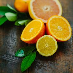 Fresh and zesty! Our Citron and Mandarin Fragrance oil combines orange, grapefruit, and a hint of lemon into a well balanced, sophisticated citrus fragrance that is at home in any high-end or natural candle line.   This fragrance oil is infused with natural essential oils, including grapefruit, orange, and lemon oil.    Note Profile: Top: Citrus Middle: Floral Base: Musk   Soy Candle Making Note: In our tireless search to find a great orange fragrance that performs in soy we have a hit…