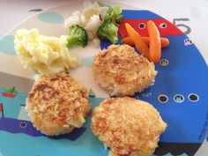 This is a irresistible salmon cakes with mash and veggies. Great for toddler parties!