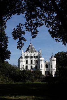 **Castle Sandenburg - The Netherlands. by dirkjankraan.com, via Flickr
