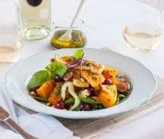 Crispy Haloumi and Roast Pumpkin Salad w lemon coriander dressing. Lunch Recipes, Salad Recipes, Dinner Recipes, Cooking Recipes, Healthy Recipes, Savoury Recipes, Vegetable Salad, Vegetable Dishes, Haloumi Salad