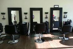 Natural Hair Rocks is a natural hair salon in the Fayetteville, Georgia area catering to women with natural, curly textured hair.