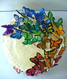 rainbow butterflies on lemon blueberry cake cute-food Butterfly Cakes, Butterfly Birthday, Pink Butterfly, Butterflies, Beautiful Cakes, Amazing Cakes, Picnic Theme, Amber, Rainbow Food