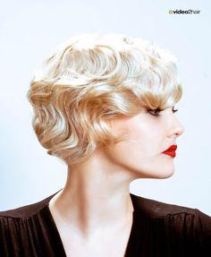 Das Model widerspiegelt nicht nur durch ihren Ähnlichkeit zu der Filmikone, sondern auch durch die Frisur diesen Eleganten aber weichen Looks. www.video2hair.com/de/home/57999122