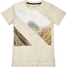 Mini boys beige mountain print t-shirt £8.00
