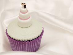 Bolos de casamento em miniatura. #casamento #bolodosnoivos #bolos #miniaturas #cupcakes