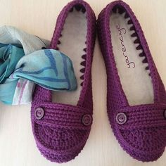 Crochet Boots, Crochet Slippers, Knitted Baby Clothes, Baby Knitting, Fiber Art, Model, Shoes, Fashion, Booties Crochet