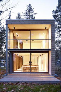 Minimum House | Mellensee, Germany | Scheidt Kasprusch Architekten via life1nmotion on tumblr