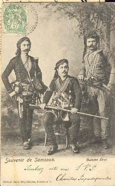 The Laz Bichaq or 'Black Sea Yataghan' Historical Monuments, Historical Photos, Churchill, Trench Knife, Types Of Swords, Greek Warrior, Greek History, How To Start Conversations, Paratrooper