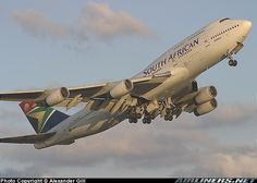 South African Airways - Boeing 747-444 Boeing 747 400, Boeing Aircraft, Airbus A380, 747 Jumbo Jet, Aircraft Images, Commercial Aircraft, Concorde, Super Bikes, South Africa