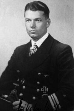 """Kapitänleutnant Georg-Wilhelm Schulz (1906-1986), Kommandant Unterseeboote """"U 124"""", Ritterkreuz 04.04.1941"""