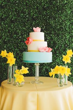 Colorful summer wedding cake | Ling Wang Photography | see more on: http://burnettsboards.com/2014/05/playful-summer-citrus-wedding/ #wedding #cake