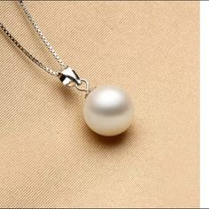 """Fashion pearl pendant.      (Last 1) New, pendant only.  Hello dear!  Thank you for the like!  Just wanted to let you know i am taking 10% off bundles & giving you a FREE gift up to $10 value.    If you are just wanting one item, I do accept reasonable offers on most items.  Please use the OFFER"""" button.  NO TRADE !!!  Thanks for visiting!. I also have a buy 2 get 1 FREE Jewelry promotion going on.  Lmk which item you want free. Jewelry Necklaces"""