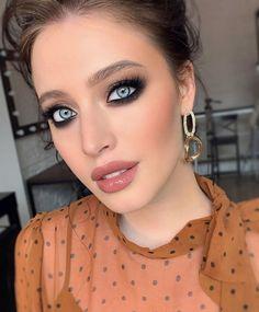 Gold Eye Makeup, Smoky Eye Makeup, Make Makeup, Makeup Geek, Makeup Tips, Beauty Makeup, Makeup Ideas, Runway Makeup, Makeup Style