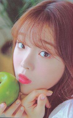 Oh My Girl Jiho, Oh My Girl Yooa, South Korean Girls, Korean Girl Groups, Oh My Girl Seunghee, Girls Twitter, Japanese Names, Golden Child, Pop Group