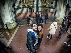 By the royal gates  #stillaboutlondon #london #LONDONBABY #ferias2016 #goprooftheday #goprolove #bethehero #goprothebest #goprohero3silver #igdaily #travalgram #travelling #pov #couple #igtravel #selfie #goproselfie #buckingham #palace #royal #igselfie #bf #goprolovers #misslondon #aroundtheworld #travel #londonlife #rainymood #goodafternoon by tanyacmartins