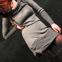 šatky Vlnatky Dresses With Sleeves, Long Sleeve, Fashion, Moda, Sleeve Dresses, Long Dress Patterns, Fashion Styles, Gowns With Sleeves, Fashion Illustrations