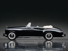 Vintage Cars 1965 Rolls-Royce Silver Cloud III Drophead Coupe by Mulliner Park Ward Auto Rolls Royce, Voiture Rolls Royce, Bentley Rolls Royce, Rolls Royce Silver Cloud, Cars Vintage, Antique Cars, 1959 Cadillac, Mercedes Benz, Classic Rolls Royce