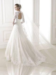 Basico esküvői ruha - La Mariée esküvői ruhaszalon - Pronovias 2015