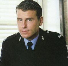 PC- Mike Bradley- Sexy cop that replaced Nick Rowan after he left the show.