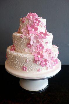 White Fondant wedding cake with roses swirls by CAKE Amsterdam - Cakes by ZOBOT… Pretty Wedding Cakes, Wedding Cake Roses, Wedding Cupcakes, Purple Wedding, Gold Wedding, Girly Cakes, Fancy Cakes, Mini Cakes, Creative Cake Decorating