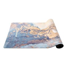 Custom yoga mat constructed of natural rubber with suede top in an Eco-conscious design for all levels of practice. Superior traction in wet and dry conditions. Trx Pilates, Pilates Workout, Pilates Reformer, Workouts, Buy Dream Catcher, Yoga Nature, Light Cycle, Yoga For Stress Relief, Healing Heart