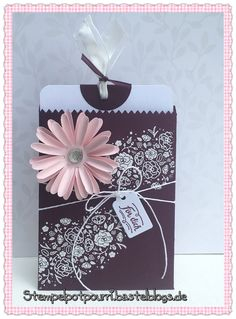 So pretty and feminine! Stampin Up Anleitung, Stampin Up Karten, Potpourri, Stampin Up Catalog 2017, Fall Party Favors, Birthday Cards For Women, Envelope Punch Board, Diy Thanksgiving, Pop Up Cards