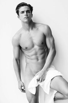 Top model River VIIPERI by Mario Testino for the TOWEL SERIES