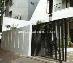 Design modern gate 45 Ideas for 2019 Architect Design House, House Gate Design, Fence Design, Door Design, Home Design Diy, Home Garden Design, Home Room Design, Home Interior Design, Simple House Exterior