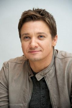Jeremy Renner. Stop it. Stop being so cute. Really.