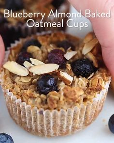 Keep these baked oatmeal cups in your fridge or freezer for an easy, healthy breakfast! There's four different flavor options so you'll never get bored. and Drink deserts dessert recipes Baked Oatmeal Cups Quick Dessert Recipes, Healthy Desserts, Baking Recipes, Healthy Breakfasts, Dessert Sans Gluten, Bon Dessert, Baked Oatmeal Cups, Desserts Sains, Tasty