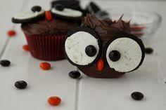 Oreo Owl Cupcakes. Aren't these cute??