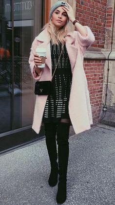 إطلالة من حساب مدونة الموضة Caroline Daur