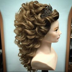 Open Hairstyles, Bride Hairstyles, Elegant Wedding Hair, Long Curly Hair, Hair Highlights, Hair Dos, Hair Designs, Prom Hair, Bridal Hair