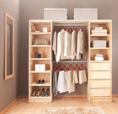 Tips para que tu recámara se vea más grande – The Home Depot Blog Bedroom Closet Design, Wardrobe Design, Closet Designs, Closet Door Storage, Closet Doors, Wooden Pallet Furniture, Diy Furniture, Diy Home Decor On A Budget, Trendy Bedroom