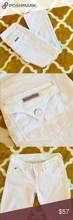 Hudson White Cropped Jean Hudson White Cropped Jeans, so cute! Such a great pant, goes with everything,  dress up or dress down. Inseam 26 inch. Excellent Condition, practically brand new. Hudson Jeans Jeans Ankle & Cropped