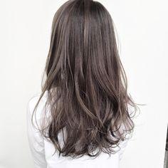 Officeでも浮かない外国人風アッシュカラー☆ . . cut ¥8,200~ cut + color ¥15,400~ cut + color + Hi light ¥23600~ . . . #shima#hair#ginza#hairarrange#mirandakerr#mery #ヘアー#ヘアスタイル#ボブ#ロングヘアー#コーデ#コーディネイト#ヘアカラー#ヘアアレンジ#アイロン#アッシュ#アッシュカラー#ハイライトカラー#外国人風ハイライトカラー#外国人風ヘアー#ラベンダーアッシュ #ミランダカー#メリー