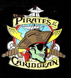 PIRATES CARIBBEAN SKULL & CROSSBONES YELLOW Disneyland 3D Disney Pirate POTC Pin