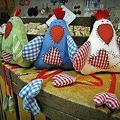 Подарки к праздникам ручной работы. Ярмарка Мастеров - ручная работа Курочки Пасхальные магнит или подвеска. Handmade.