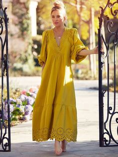 Dress Outfits, Fashion Dresses, Maxi Dresses, Chic Outfits, Fall Outfits, Bohemian Style Clothing, Bohemian Dresses, Fashion Line, Fashion Fashion