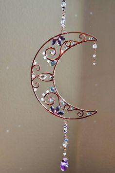 Super sparkly gemstone Suncatcher Crescent Moon wire art Swarovski window hanging Lunar phase decoration patio garden decor - Best DIY and Crafts 2019 Bijoux Wire Wrap, Bijoux Diy, Wire Wrapped Jewelry, Wire Jewelry, Jewelry Crafts, Jewelery, Handmade Jewelry, Gold Jewellery, Handmade Wire