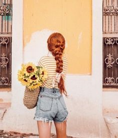 I can't wait until my ginger hair is long enough to braid! My hair is obnoxiously thick so a thick braid is actually a possibility for me! Photo Mannequin, Beauty Photography, Fashion Photography, Lily Evans, Jolie Photo, Character Aesthetic, Ginger Hair, Mannequins, Freckles